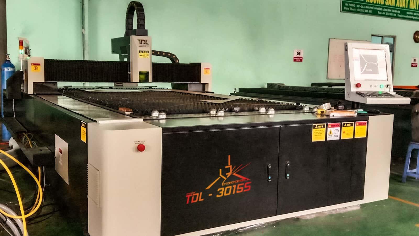 Bàn giao máy cắt laser tại Công ty Hưng Phát