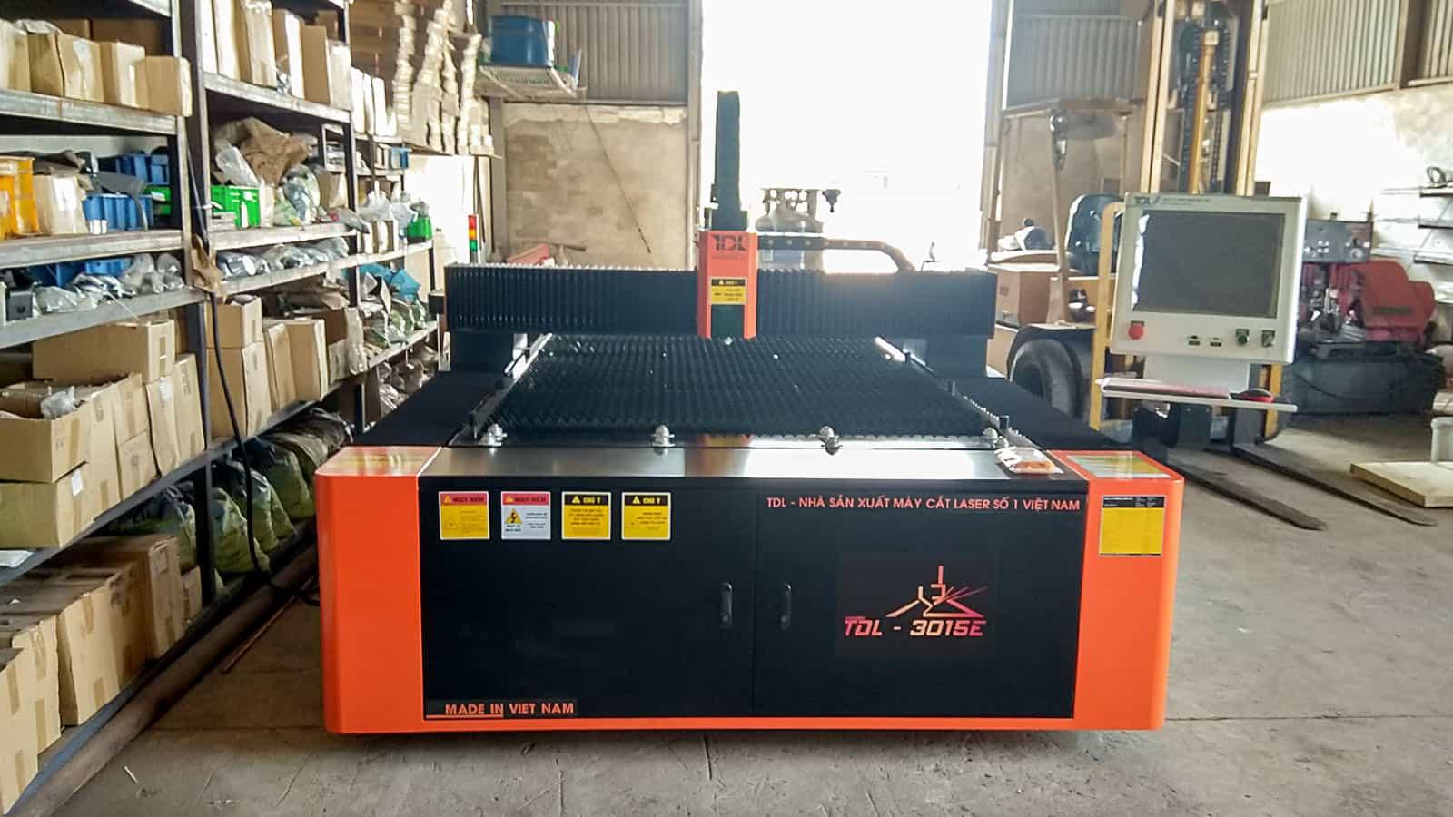 Bàn giao máy cắt Laser TDL-3015E nguồn 1500W tại Công ty Đại Anh Phát