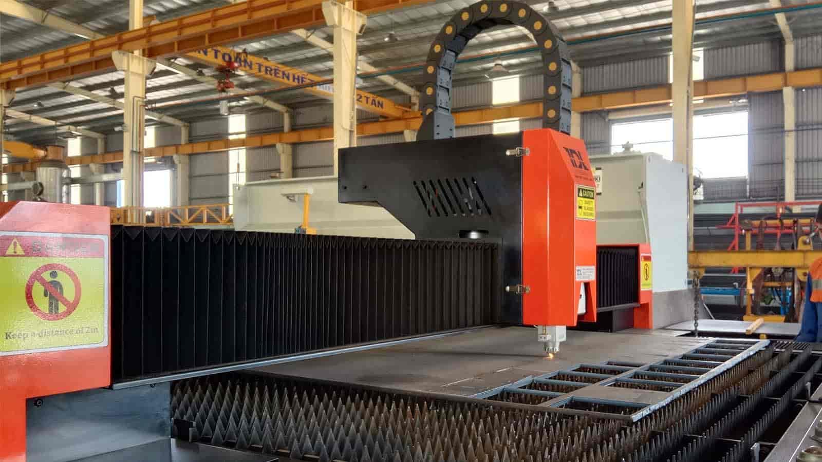 Máy cắt laser Toàn Đắc Lộc