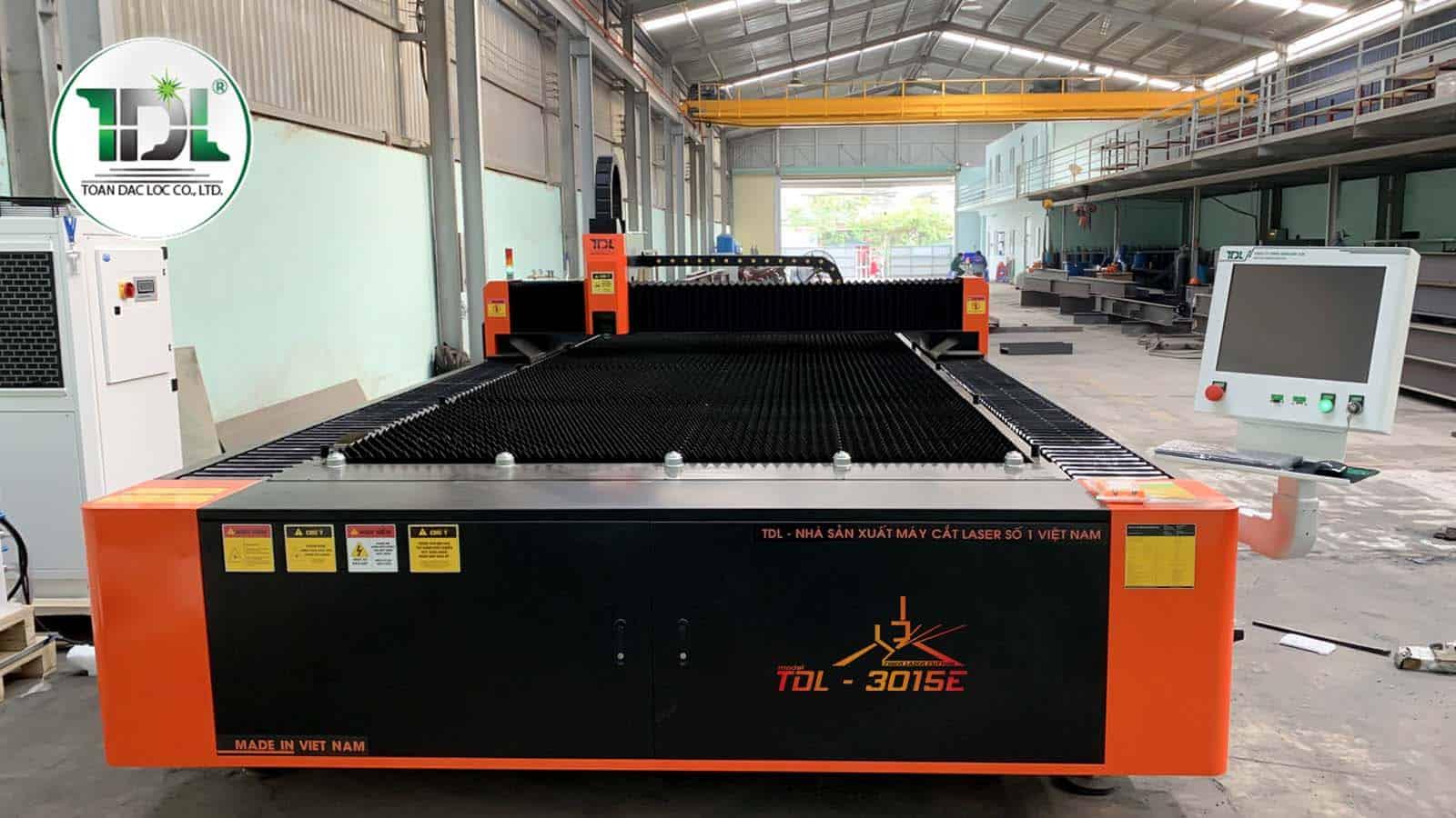 máy cắt laser TDL-3015E