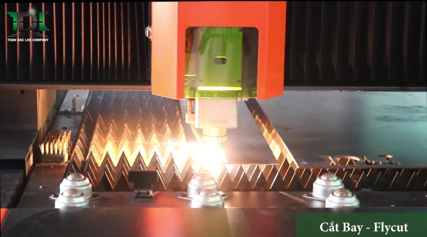 Chức năng cắt bay trên máy cắt CNC Laser Fiber