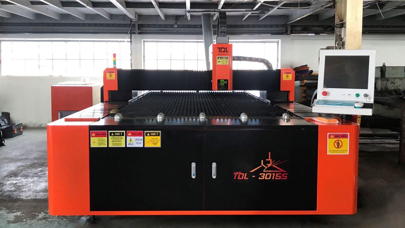 Máy cắt CNC Laser Sản xuất tại Việt Nam